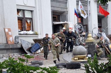 Бомбил вслепую. В сети опубликована запись переговоров пилота, стрелявшего в здание луганского ОГА
