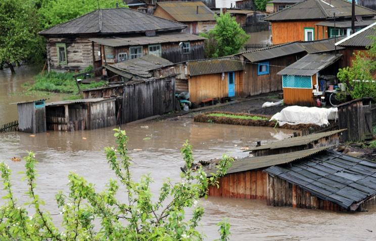 Уровень воды в пригороде Барнаула превысил критическую отметку