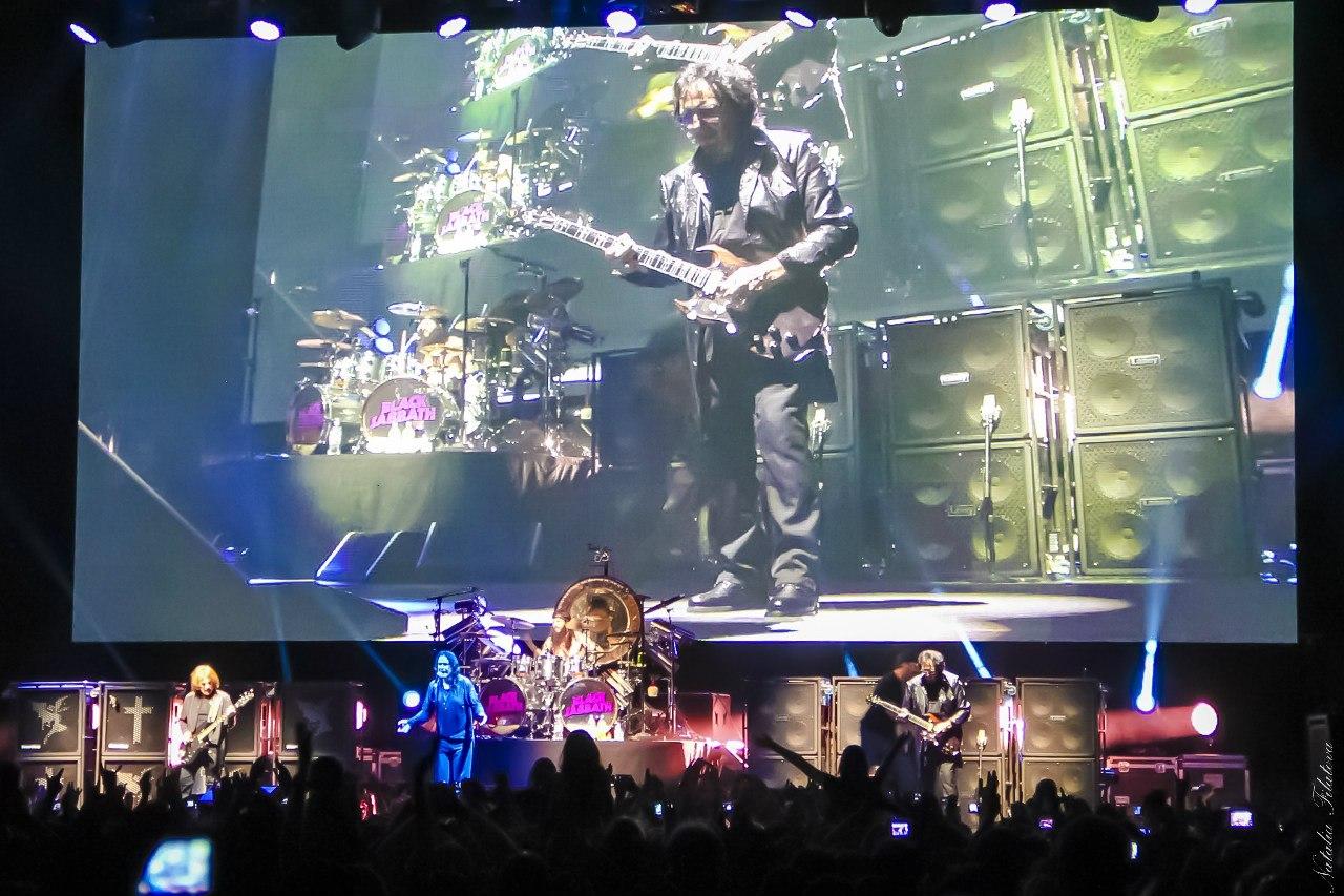 Black Sabbath в классическом составе с Оззи Осборном на вокале дали концерт в Москве