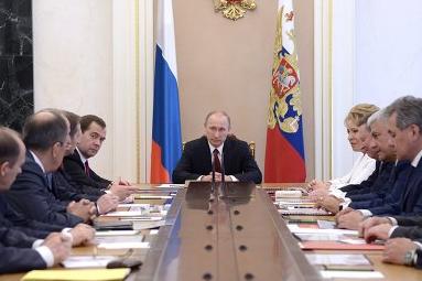 Владимир Путин собрал срочное совещание Совбеза по ситуации на Украине