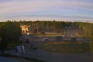 В Сети появилось видео, как колонна антифашистских добровольцев въезжает в Луганск