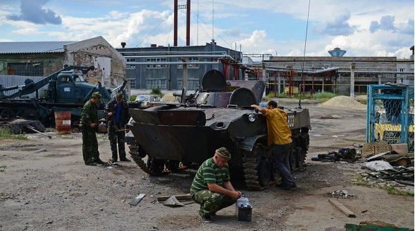 Колонна танков, замеченная в Луганске, принадлежит ополченцам