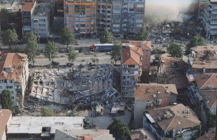 Как спасти жизнь при землетрясении