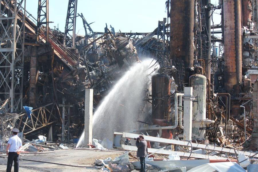 Восемь погибших - итог взрыва на Ачинском НПЗ