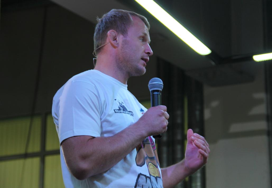 Чемпион мира по ММА Александр Шлеменко провел мастер-класс для детей