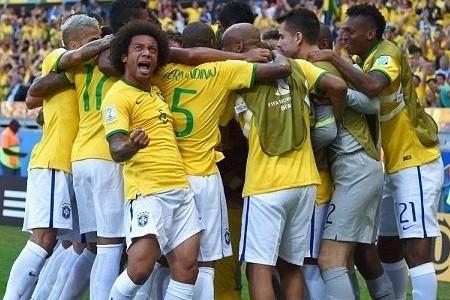 Бразилия стала первым четвертьфиналистом ЧМ по футболу благодаря штанге