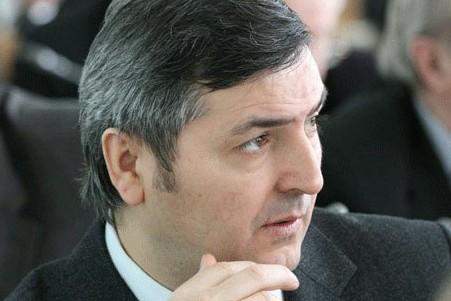 Первый замгубернатора Омской области задержан по подозрению в превышении полномочий