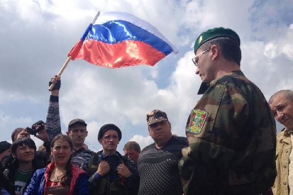 Границу с Украиной надо брать под контроль – Сергей Миронов