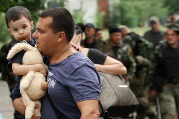 На Юго-Востоке Украины создаются гуманитарные коридоры по распоряжению Порошенко