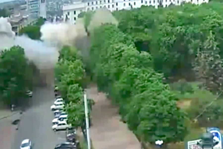 Эксперты: Версия Киева об обстреле здания ОГА в Луганске ополченцами из ПЗРК несостоятельна