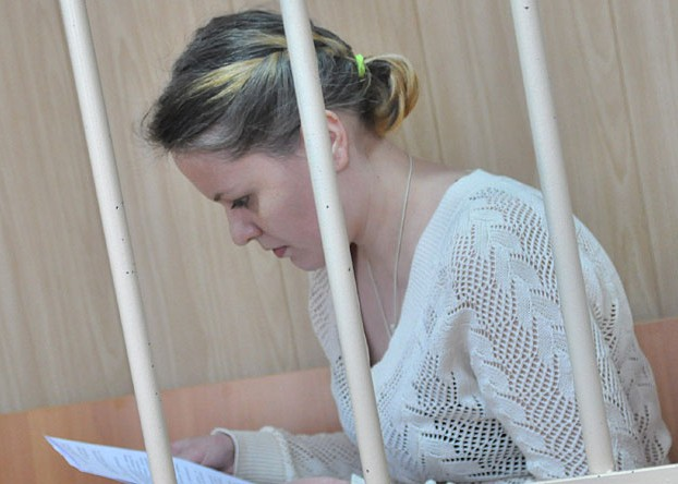 Мать, заморозившая младенцев в холодильнике, выходит по амнистии