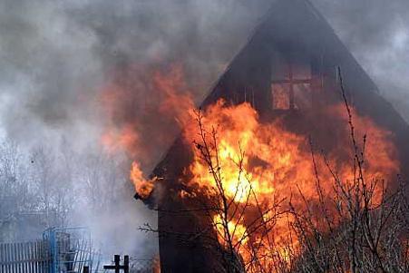 Няня-подросток спасла из огня двух детей