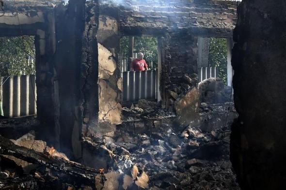 Украинские военные не оставили ни одного целого здания в поселке Семеновка