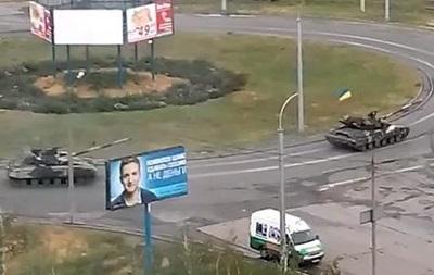По Мариуполю едут танки