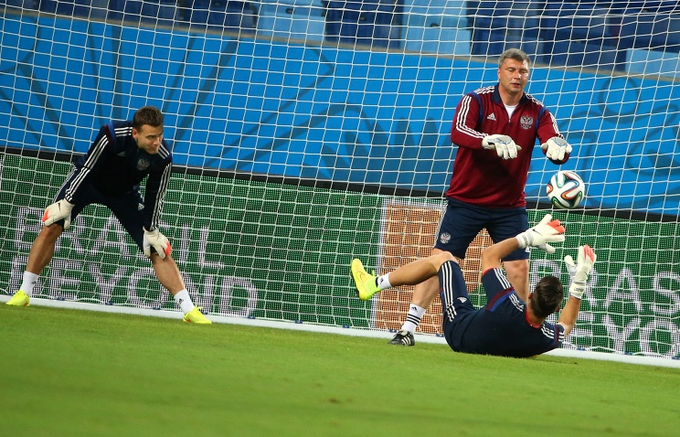 Сборная России готовится к решающему матчу с Алжиром