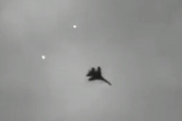 Самолет ВВС Украины открыл огонь по зданию обладминистрации Луганска