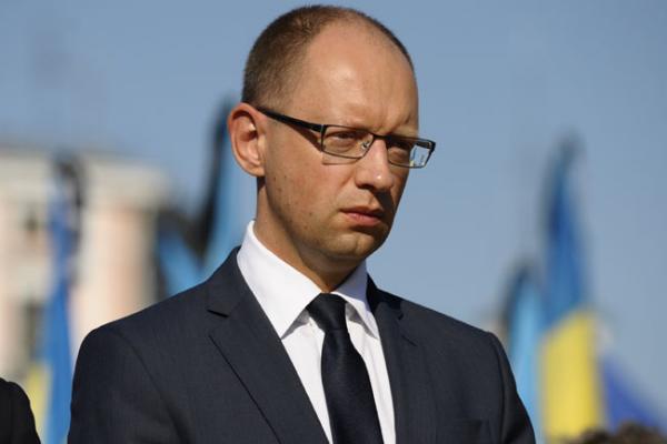 Яценюк запретил Порошенко вести прямые переговоры с Путиным