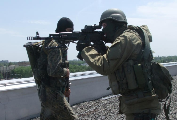 Ополченцы ЛНР обстреляли украинских силовиков в районе аэропорта Луганска