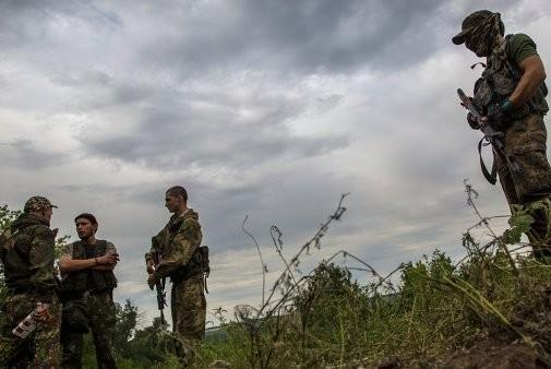 Ополченцы пытаются окружить группировку силовиков на юге Донбасса