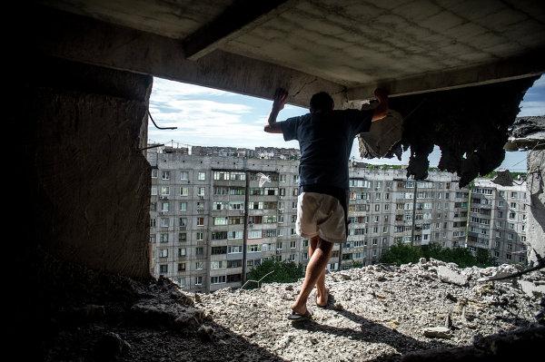 Шесть человек погибли при обстреле предприятия в Луганске