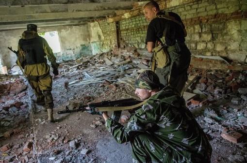 Взрывы вновь слышны в районе аэропорта Донецка