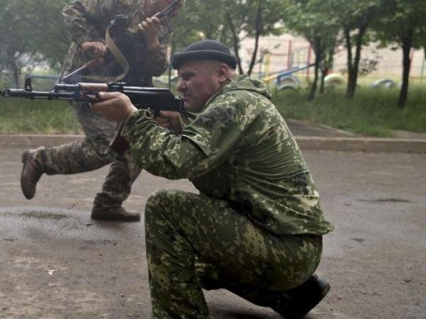 Ополченцы ДНР заявляют, что сбили самолет в бою под Снежным