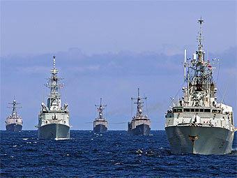 В Черном море начались маневры НАТО