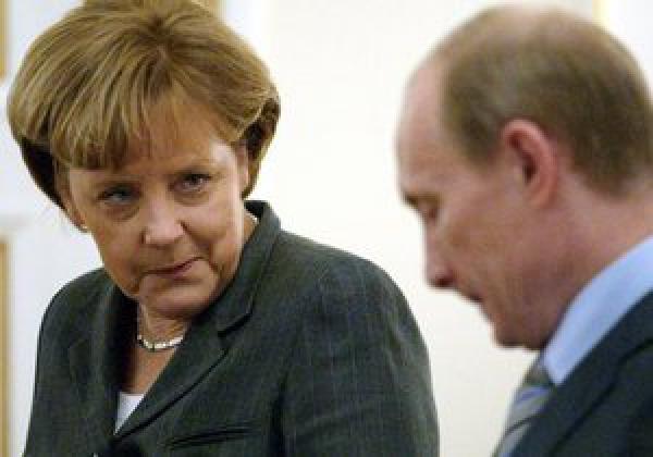 Меркель и Путин посекретничали о судьбе Украины
