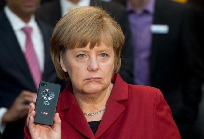 Меркель приказала не сотрудничать со спецслужбами США