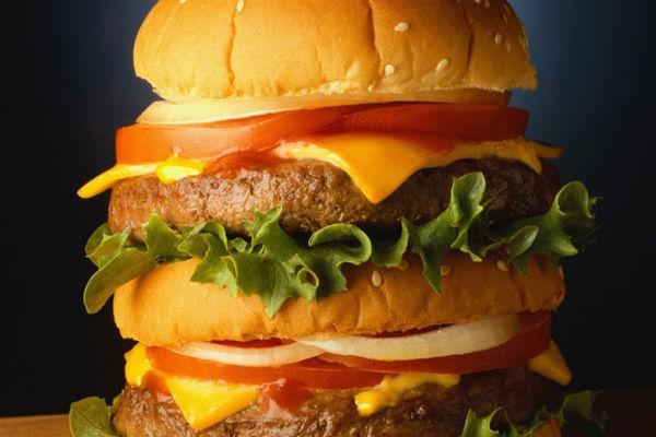 Макдональдс и KFC использовали просроченное мясо из Китая