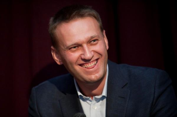 Навальный в интересах общества не будет извиняться перед чиновниками