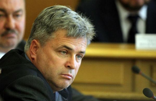 Соратнику Евгения Ройзмана Олегу Киневу предъявили обвинение в убийстве пенсионерки