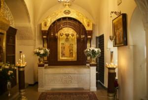 Рака с мощами преподобномученицы Елизаветы Московской Марфо-Мариинская обитель