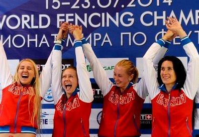 Российские шпажистки победили на чемпионате мира в Казани