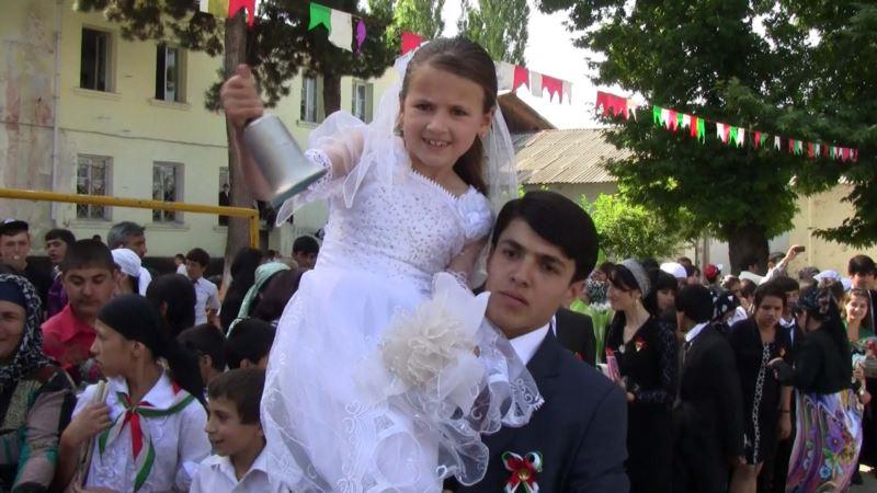 У выпускников Таджикистана последнего звонка больше не будет
