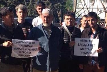 Чубаров и Джемилев действуют по наводке Коломойского и хотят вернуть Крым Украине