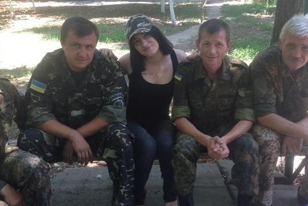 Победительница российской «Фабрики звёзд» Приходько развлекает карателей