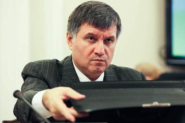 В Донбассе не хватает 20 тысяч сотрудников милиции – Аваков
