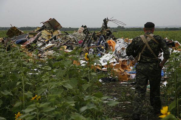 В районе крушения «Боинга» на востоке Украины прогремели взрывы