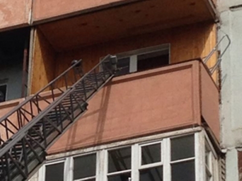 В Иркутской области на балконе жилого дома взорвалась коробка с порохом