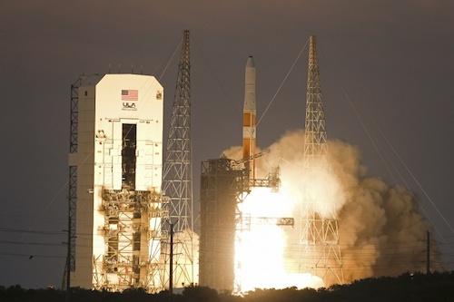 США запустили два спутника-шпиона