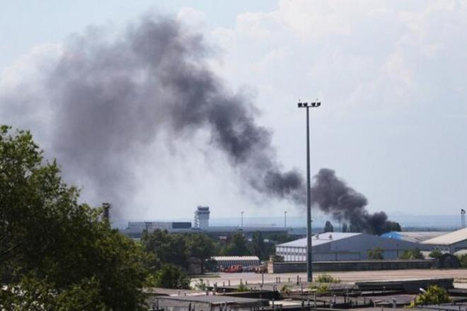 В Донецке всю ночь шел бой за аэропорт