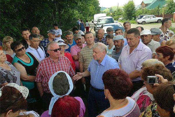 Сергей Миронов на Алтае: Буду добиваться дополнительного финансирования для республики и следить за ходом восстановительных работ