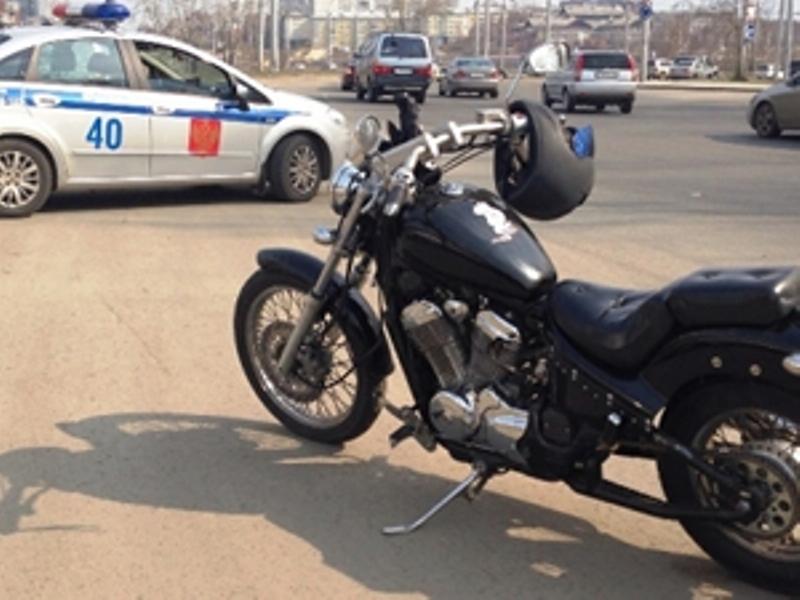 В Иркутске мотоцикл столкнулся с тремя иномарками
