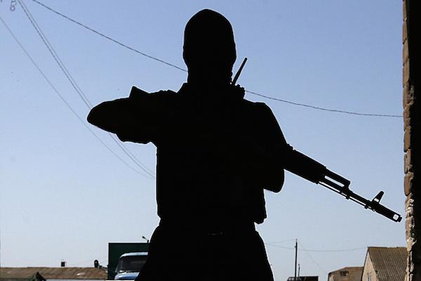 Стрелков введет в ДНР военное положение