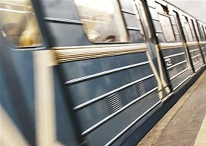 Машинист метро уснул в кабине
