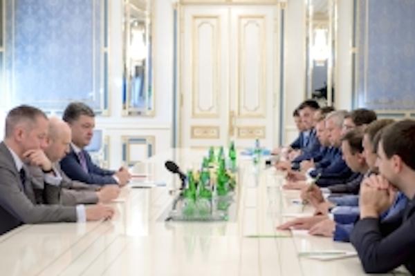 Порошенко против прекращения огня украинской армией