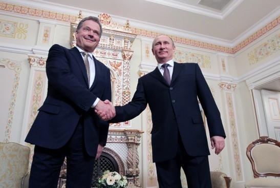 Путин и президент Финляндии сделали акцент на достижение перемирия в зоне крушения Boeing