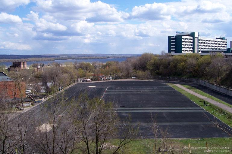 Стадион в Днепропетровске переоборудовали в вертолетодром