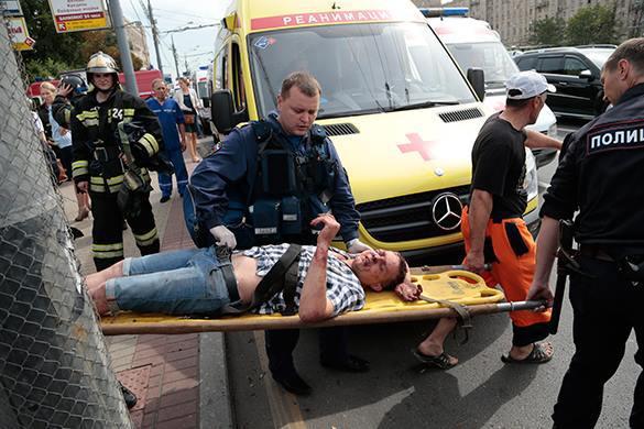 27 жертв аварии в метро продолжают лечение